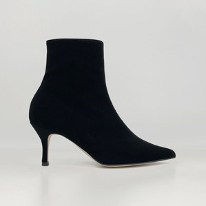 pointed-toe ankle boots (velvet)