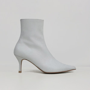 pointed-toe ankle boots (lizard white)