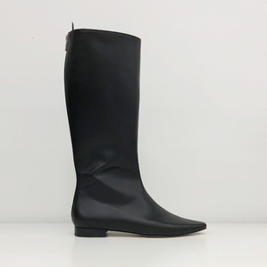 pointed-toe flat long boots